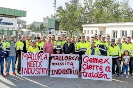 Los trabajadores de Cemex, desalentados por la falta de opciones para recolocarse