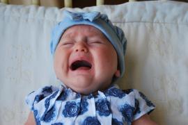Así responde un padre a las quejas de un vecino porque su bebé llora