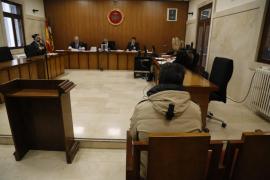 Cárcel para un profesor que intentó practicar una felación a un alumno de 12 años en Palma