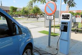 El Parlament resiste las presiones y deja para 2025 el final de los coches diésel