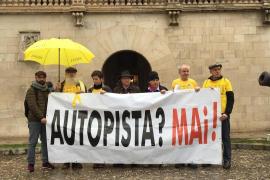 La plataforma Antiautopista pide a Armengol «que no se exima de su responsabilidad»