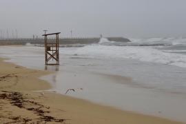 Alerta amarilla en todo el litoral balear por olas de hasta cuatro metros