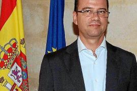 El conseller Simó Gornés niega «una cruzada» del Govern contra el catalán