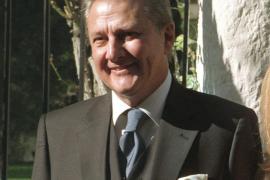 Carlos Larrañaga, en estado grave tras ser operado
