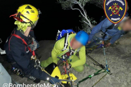Rescate nocturno de cinco escaladores atrapados en Sa Gubia, Bunyola
