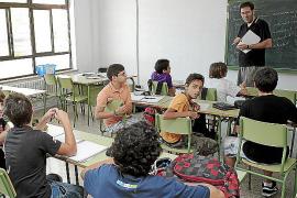 Educació suspende el programa de refuerzo educativo para alumnos por falta de dinero