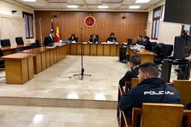 Cuatro años y medio de cárcel por secuestrar y agredir a un hombre en un piso de Palma