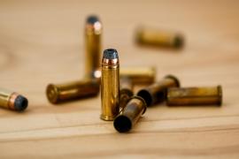 Dos guardias civiles obligan a varias personas a meterse balas en la boca y escuchar el 'Cara a sol'