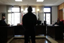 Seis meses de cárcel por no devolver un coche de sustitución de un taller de Palma