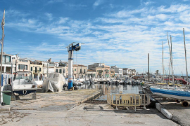 El puerto de El Molinar saldrá a concurso público si el club no presenta un proyecto