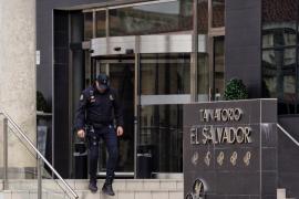 Prisión para una hija del dueño de la funeraria 'El Salvador' por la estafa de los ataúdes