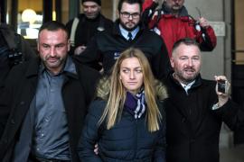 La tenista Petra Kvitova dice que su agresor le «cortó todos los dedos»