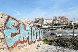 Las pintadas de la muralla de Palma no se limpiarán al menos hasta el verano