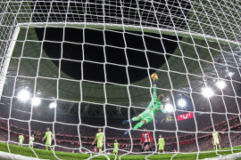 Ter Stegen salva al Barça en Bilbao