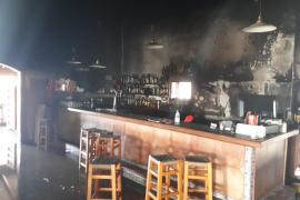 Un incendio quema parte del restaurante Sa Creu en Petra