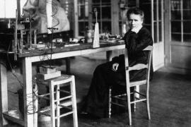 Ocho razones por las que tus hijas deberían conocer a Marie Curie
