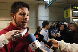Llegan a Barcelona pasajeros del crucero que describen el caos del naufragio