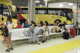 Globalia y Aumasa sospechan que las líneas interurbanas están ya adjudicadas