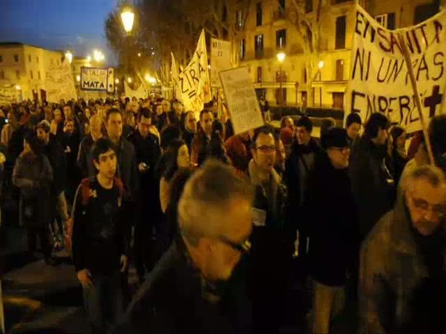 Más de 700 personas salen a la calle en Palma en defensa de la sanidad pública