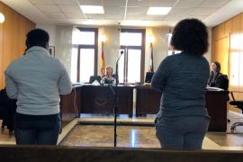 Dos años de cárcel por lanzar 800 gramos de marihuana por la ventana de un piso en Palma