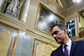 El pánico de Sánchez a las tres derechas deja el PSOE con el agua al cuello