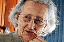 La basílica de Sant Francesc acoge este jueves el último adiós a la filóloga Aina Moll