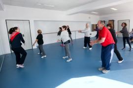 Las clases de actividad física para mayores de 60 años, en imágenes .