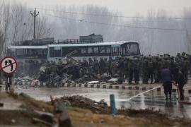 Al menos 40 muertos en el peor atentado en la Cachemira india en casi dos décadas