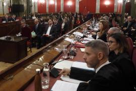Junqueras se presenta en el juicio como un preso político y niega todos los delitos