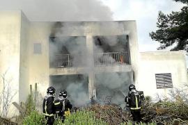 Herido un vecino de Sant Rafel por un incendio que calcinó una casa de campo