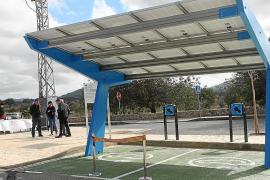 Sant Joan inaugura su segunda pérgola solar para la carga de vehículos eléctricos