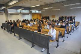 Más de 70 aspirantes se examinan en las oposiciones de medicina interna para cubrir 17 plazas en Baleares