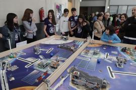 Un equipo del centro educativo Sant Pere gana la First Lego League en Palma