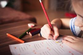 La emotiva carta a su hijo con Asperger: «Si notas que se burlan de ti, ignóralos»
