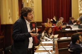 El Parlament balear aprueba pedir reducir la penalización en casos de jubilación anticipada