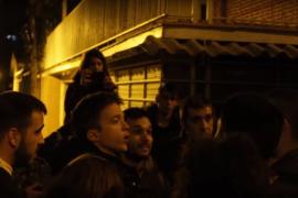 'Escrache' a Iñigo Errejón por «abandonar a los obreros»