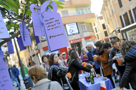 El Tren Violeta lleva a Manacor la reivindicación en clave femenina