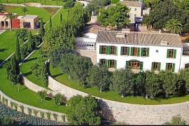 Litigios, sanciones y deudas en la casa de Becker en Mallorca