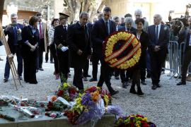 Pedro Sánchez visita la tumba de Machado en Collioure en el 80 aniversario de su muerte