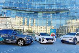 Hyundai cede tres vehículos eléctricos al EVE en Euskadi
