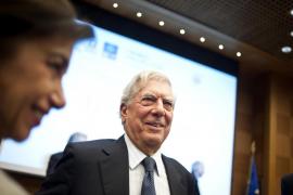 El Gobierno ofrece a Vargas Llosa ponerse al frente del Instituto Cervantes