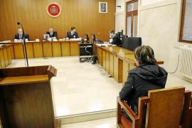 La Audiencia de Palma absuelve a una madre de violar a su hijo discapacitado