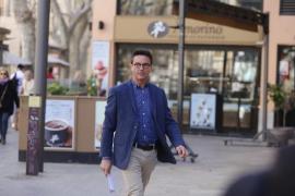 De Santos vincula a Rodríguez con los pagos a Over