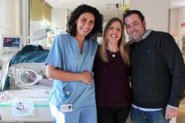 Histórica operación del corazón a una bebé prematura en el Sant Joan de Déu de Barcelona