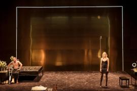 Proyección de la obra de teatro 'Gata sobre el tejado de zinc' en CineCiutat