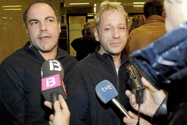 Pasajeros mallorquines del 'Costa Concordia' presentan una denuncia en los juzgados de Vía Alemania