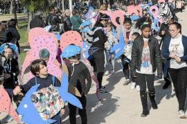 Escolares de toda Mallorca salen de las aulas para celebrar el Carnaval