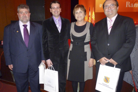 Las Medalles d'Or de la Comunitat y los Premis Ramon Llull del Govern balear