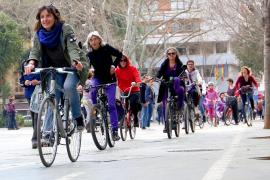 Marcha ciclista en Palma por la mujer