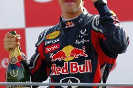 Mateschitz: «Vettel ha mejorado y está más fuerte que nunca»